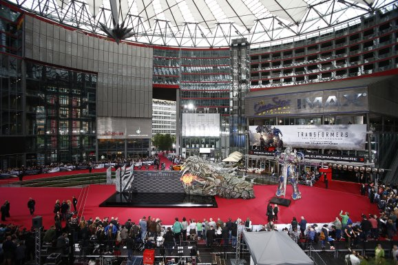 Europapremiere! Transformers Stars im Berliner Sony Center