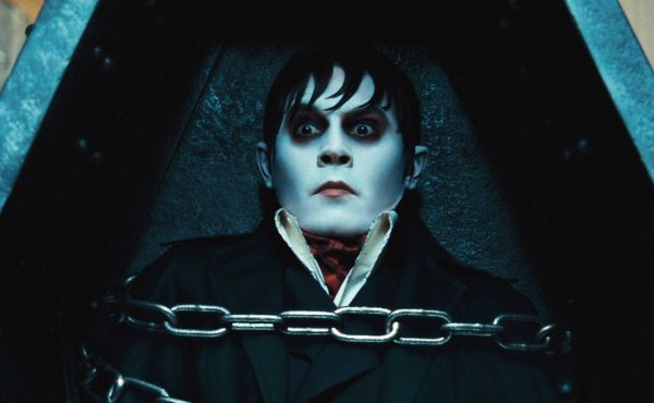 Dark Shadows © 2012 Warner Bros.
